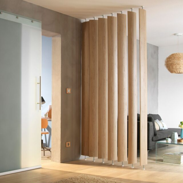 Advantages of a sliding room divider