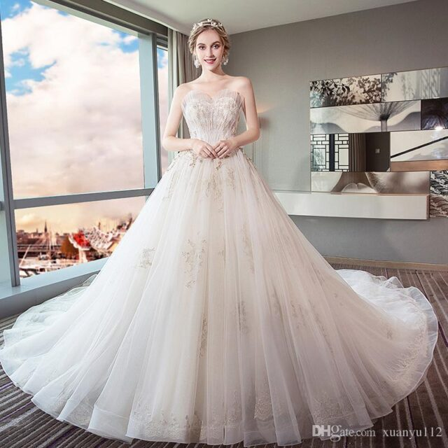Analyze before buying the wedding gown