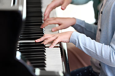 How to buy an inexpensive piano