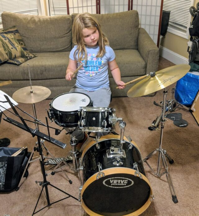 choose a first drum kit for your kids