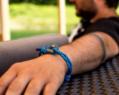 Why surfer bracelets are an awesome accessory