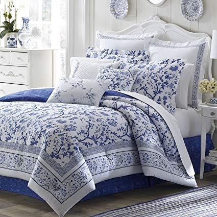 Handmade Floral Pattern on Comforters