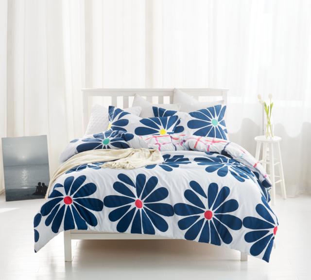 Specialties in Floral Pattern in Bedding Set